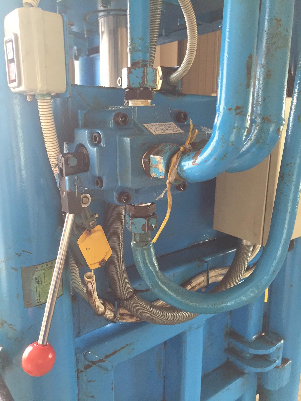 圧縮梱包機バルブ2